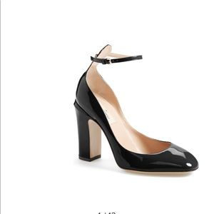 Valentino ankle strap pumps. Great condition